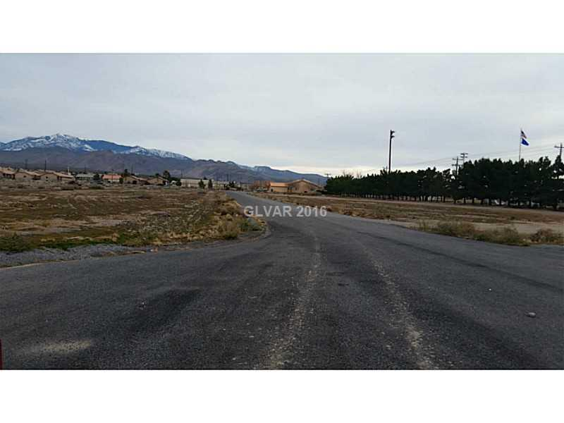 Photo of home for sale at 1621 HIAWATHA Street East, Pahrump NV